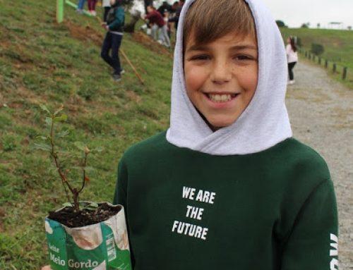Escolas de Gondomar plantam no Parque Aventura